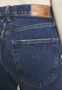 River Island - Straight leg jeans - mid auth - 4