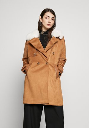 Abrigo - brown medium