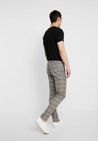 River Island - Pantaloni eleganti - neutral - 2