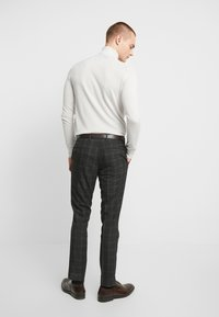 River Island - SKINNY CHECK  - Suit trousers - grey - 2