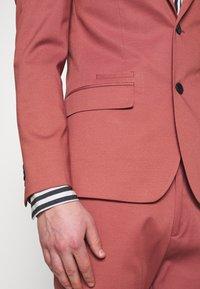 River Island - EDWARD SKINNY FIT - Giacca elegante - pink - 7