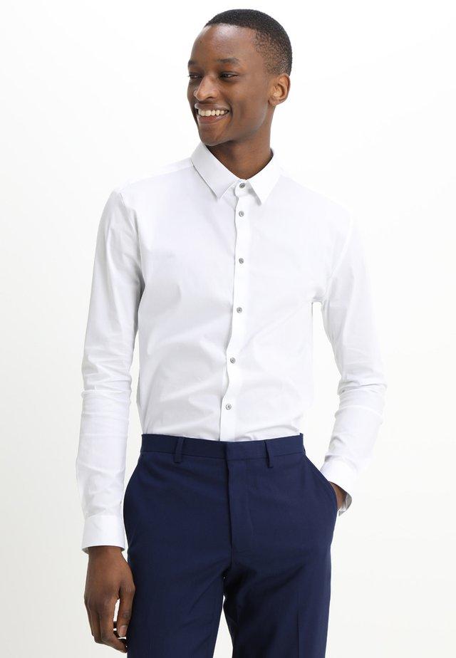 MUSCLE POPLIN - Skjorta - white