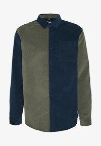River Island - BLOCK - Shirt - khaki/navy - 6