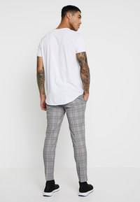 River Island - GARNET CHECK POW ULTRA - Broek - grey - 2