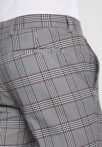 River Island - GARNET CHECK POW ULTRA - Broek - grey - 5