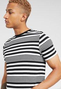River Island - T-Shirt print - white - 4