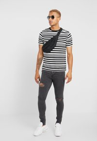 River Island - T-Shirt print - white - 1