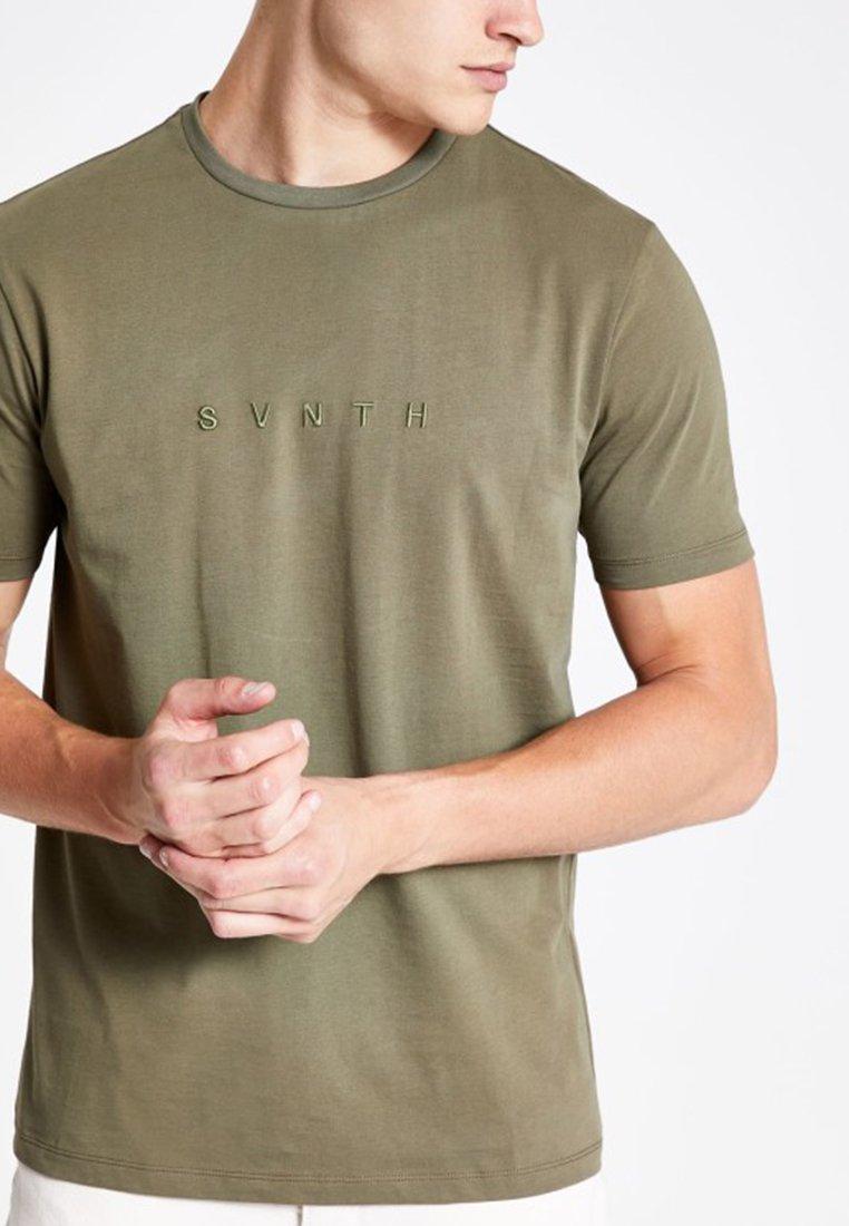 River Island - SLIM FIT - T-Shirt print - khaki