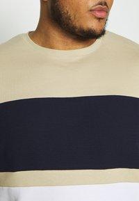 River Island - T-shirt print - brown light - 5
