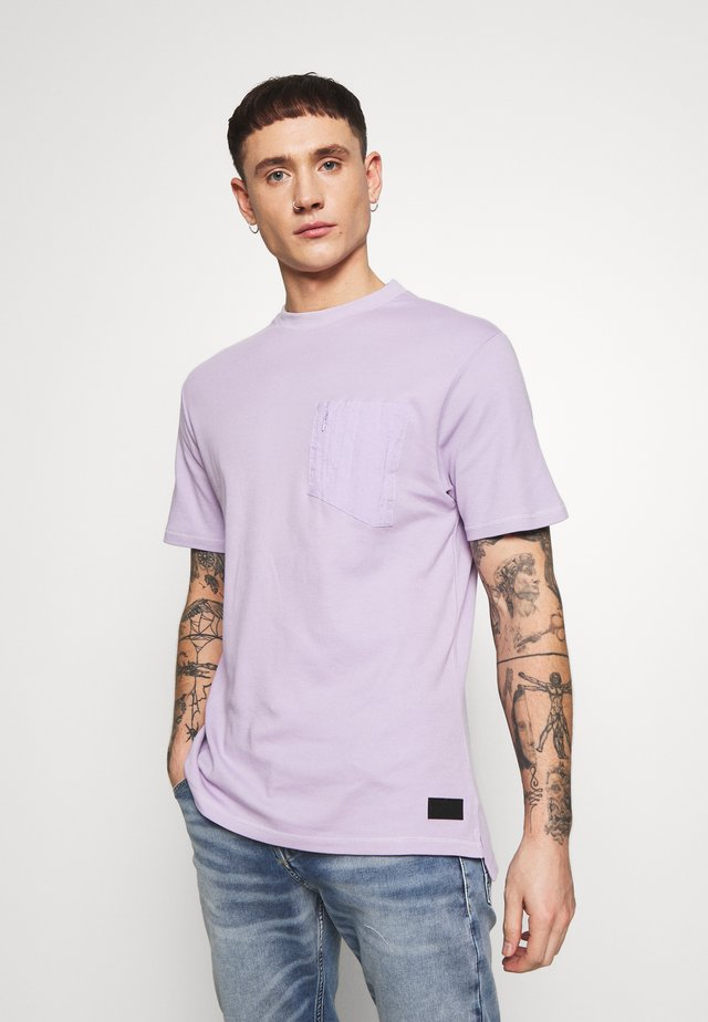 PANEL BADGE TEE - T-shirt - bas - lilac