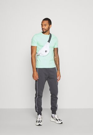 5PACK  - T-shirt - bas - stone/white/blue/green/black