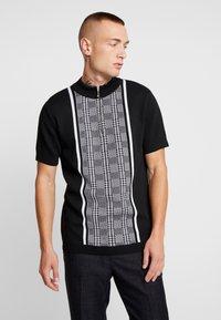 River Island - T-shirt z nadrukiem - black - 0