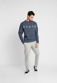 River Island - WASHED PRINTED CREW  - Sweater - blue - 1