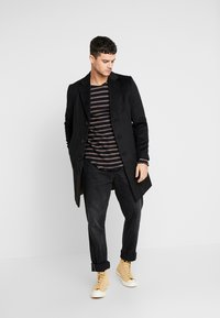 River Island - OVERCOAT - Kappa / rock - black - 1