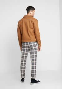 River Island - Spijkerjas - brown - 2