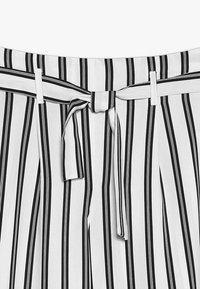 River Island - Spodnie materiałowe - white/black - 4