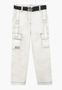 River Island - Pantaloni cargo - white - 0