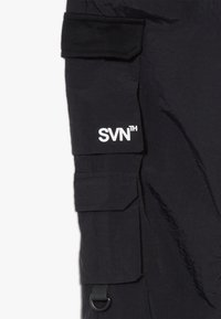 River Island - BLACK MULTI POCKET  - Cargo trousers - black - 4