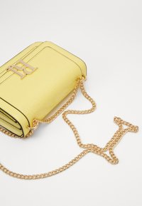 River Island - EMBOSSED SATCHEL - Torba na ramię - yellow - 5