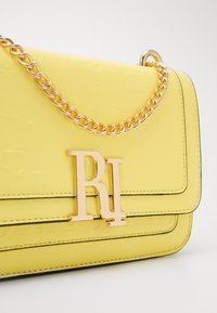 River Island - EMBOSSED SATCHEL - Torba na ramię - yellow - 2