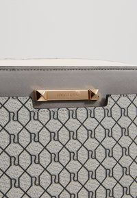River Island - MONOGRAM BOXYLIGHT GREY - Across body bag - light grey - 2