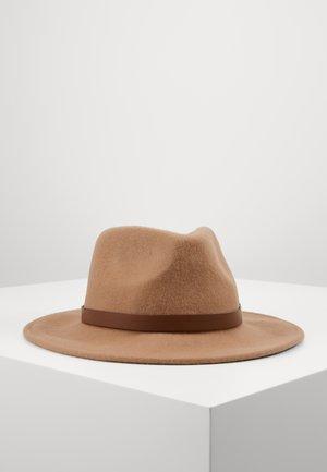 Cappello - camel