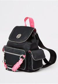 River Island - GIRL BLACK POCKET FRONT UTILITY BACKPACK - Reppu - black - 2