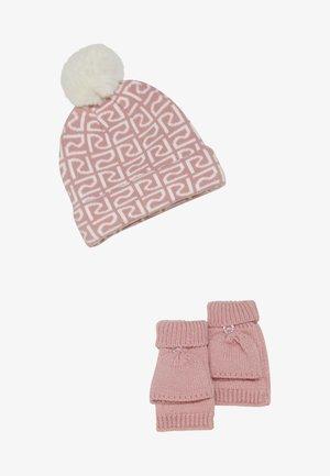SET - Beanie - pink