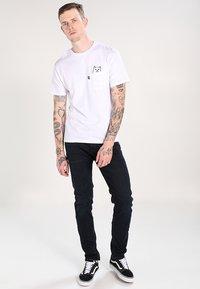 RIPNDIP - LORD NERMAL POCKET - Print T-shirt - white - 1