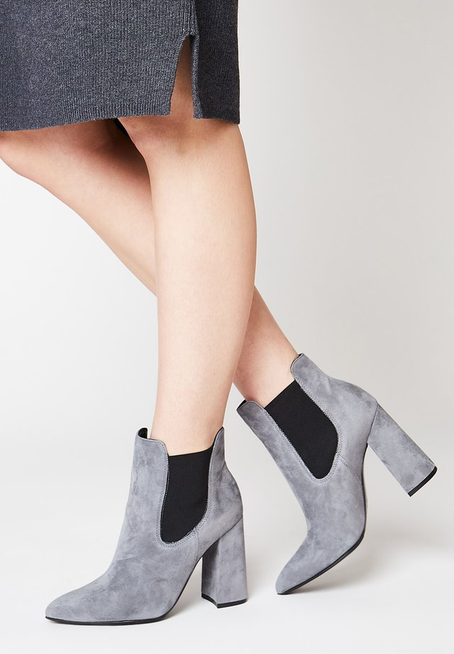 CHELSEA - Ankle boots - grau