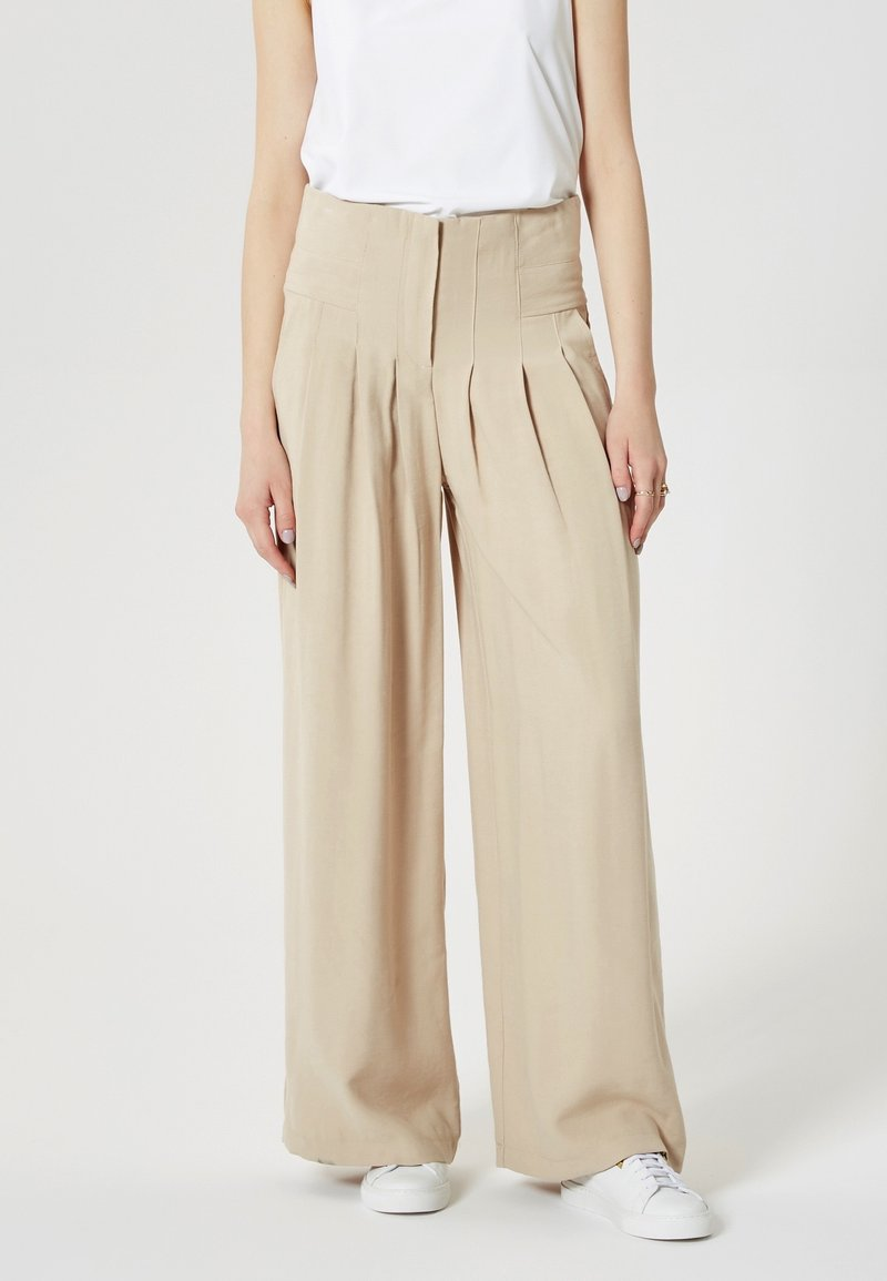 RISA - Pantalon classique - beige