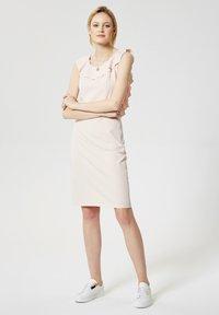 RISA - Robe fourreau - helles pink - 1