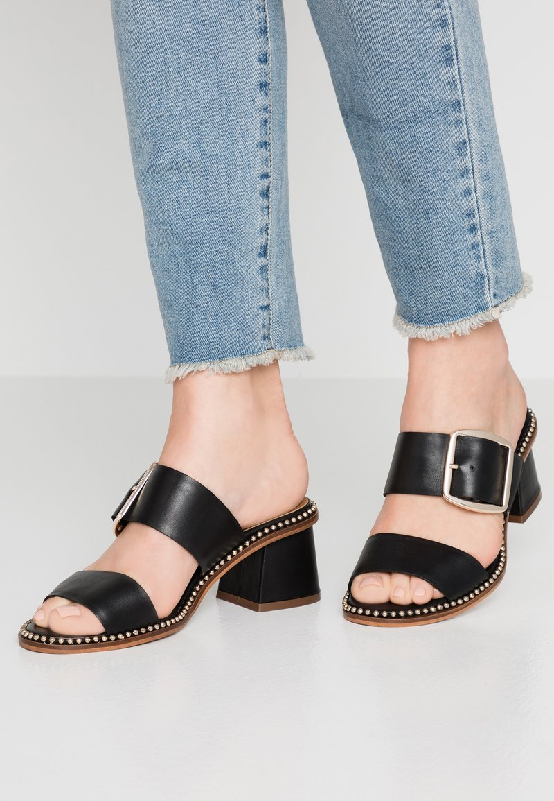 River Island Wide Fit - Pantofle na podpatku - black