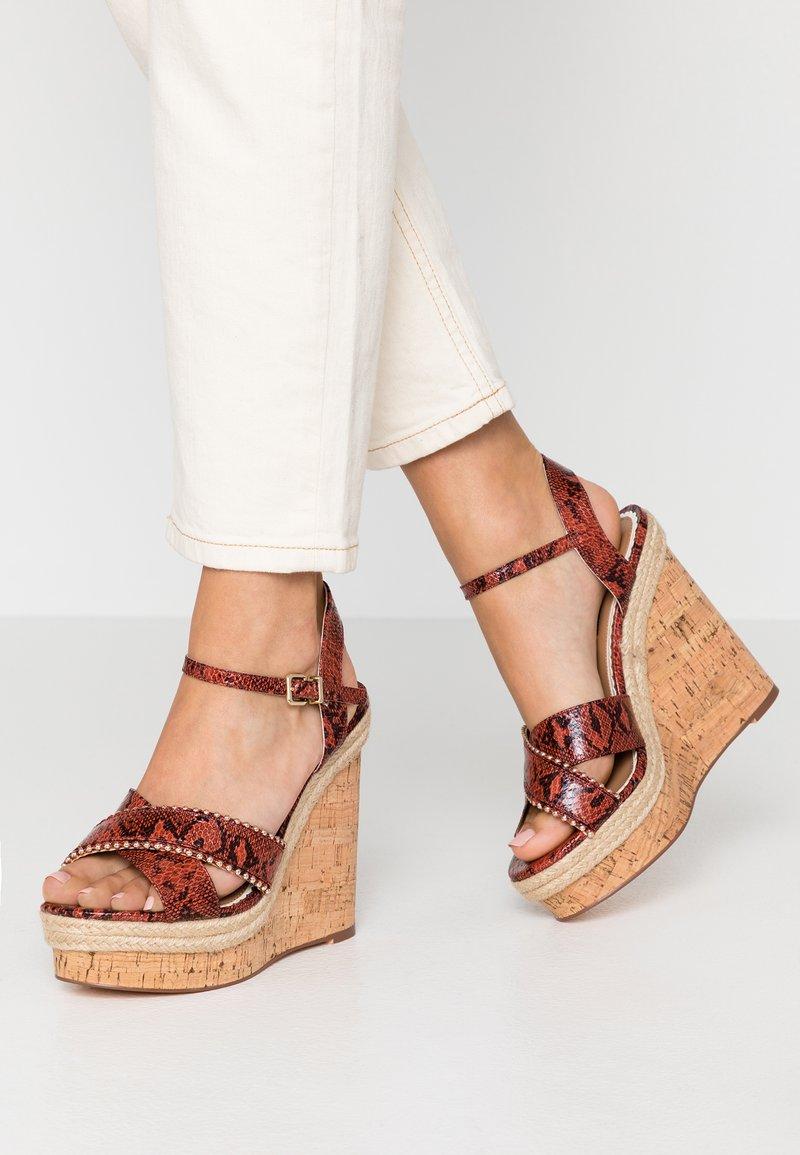 River Island Wide Fit - Højhælede sandaletter / Højhælede sandaler - brown