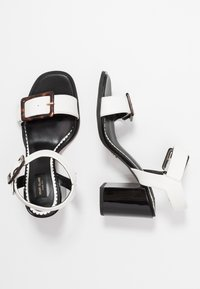 River Island Wide Fit - Sandály - white - 3