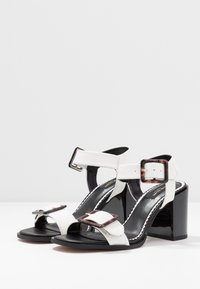 River Island Wide Fit - Sandály - white - 4