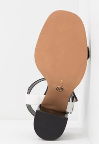 River Island Wide Fit - Sandály - white - 6