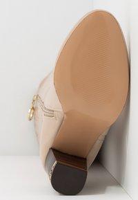 River Island Wide Fit - High heeled boots - ecru - 6