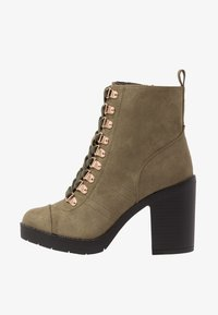 River Island Wide Fit - Bottines à talons hauts - khaki - 1