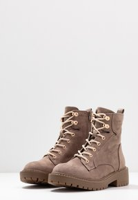 River Island Wide Fit - Lace-up ankle boots - grey - 4