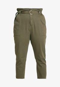 River Island Plus - Spodnie materiałowe - khaki - 4