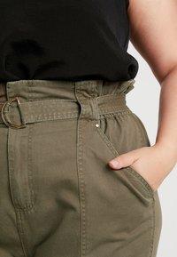 River Island Plus - Spodnie materiałowe - khaki - 5
