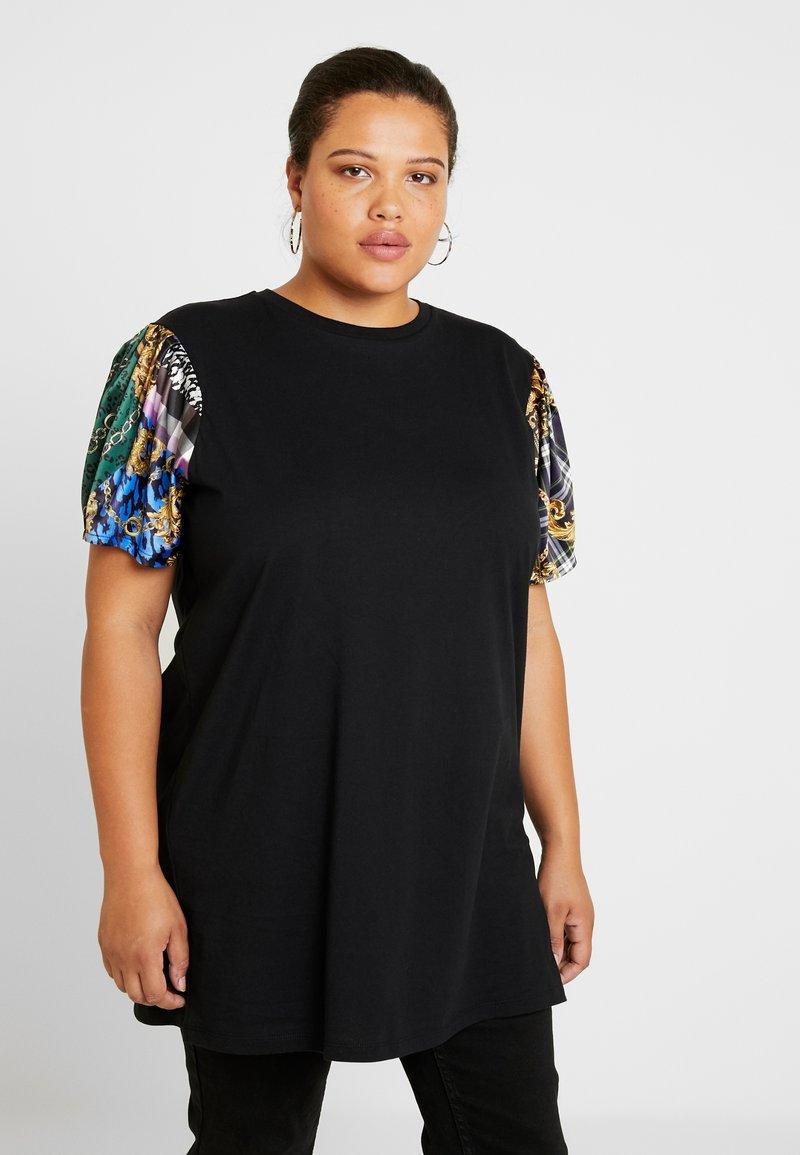 River Island Plus - Camiseta estampada - black