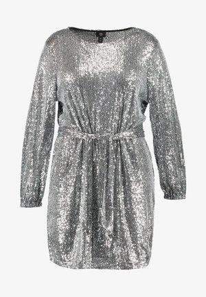 Koktejlové šaty/ šaty na párty - silver