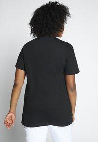 River Island Plus - Print T-shirt - black - 2