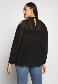 River Island Plus - ELLIE EMBROIDERED BLOUSE - Blůza - black - 2