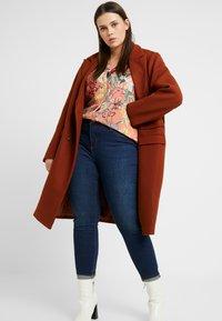 River Island Plus - MOLLY SANTA - Jeans Skinny - dark auth - 1