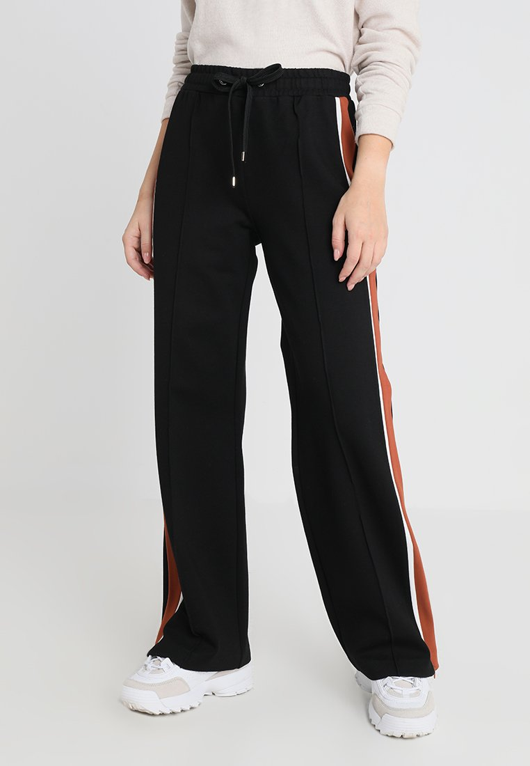 River Island Petite - Teplákové kalhoty - black/camel/white