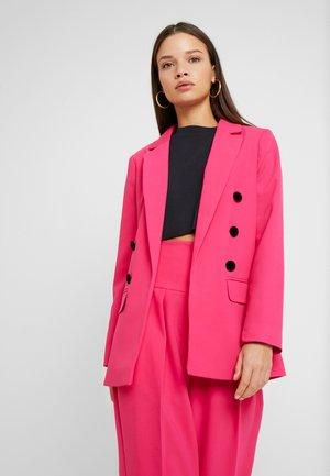 Kort kåpe / frakk - pink