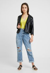 River Island Petite - Relaxed fit jeans - light blue denim - 1